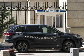 Morte Epstein, guardie avrebbero falsificato i controlli in cella