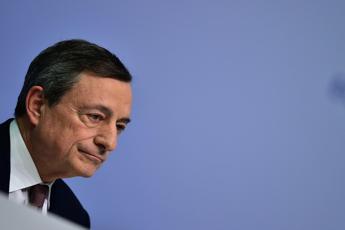 La Bce mantiene i tassi fermi