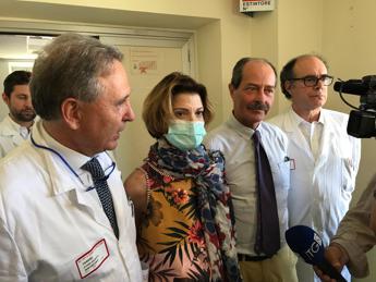 Primo trapianto di fegato in Italia su donna con cancro seno