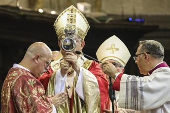 Si ripete il miracolo San Gennaro: il sangue si è sciolto