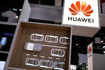 Usa, sanzioni a Huawei per violazione dei diritti umani