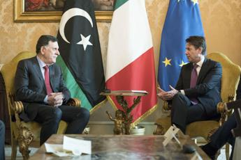 Libia, Conte sente al-Serraj: Rifiuto opzione militare