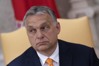 Coronavirus, Orban estende misure a tempo indeterminato