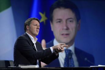 Quota 100, botta e risposta Renzi-Conte