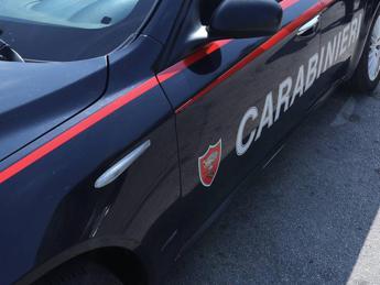 Ubriaco aggredisce la compagna in hotel a Bracciano, arrestato