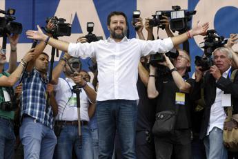 """Salvini 'imita' Berlusconi: """"Lega ha solo il 34%..."""""""