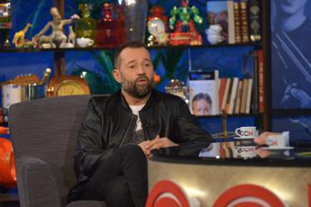 """""""Preoccupato per le mie figlie"""", Fabio Volo dà della 'mig....' ad Ariana Grande"""
