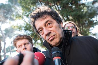 Cecchi Gori in carcere, Veronesi: E' malato, non può starci