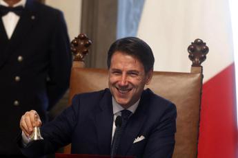 Sondaggio boccia governo, opinione negativa per 60% italiani