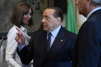 Berlusconi: Nasce governo di ultrasinistra