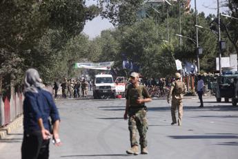 Afghanistan al voto, almeno 2 morti in attentati ai seggi