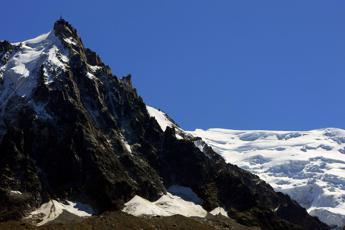 Radar per monitoraggio su ghiacciaio Planpincieux