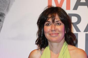 Sabina Guzzanti torna sul set, docufilm sullo Spin Time di Roma