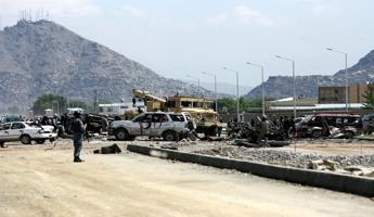 Afghanistan, attentato a comizio elettorale: 24 morti
