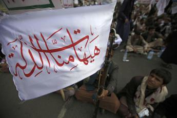 Gli Houthi minacciano, possibili nuovi attacchi a impianti petroliferi