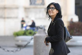 'Basta burocratese', per parlare chiaro Dadone sceglie l'Accademia della Crusca