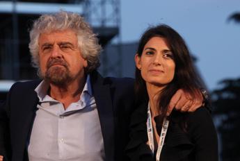 Endorsement di Grillo a Raggi: Virgì Roma nun te merita