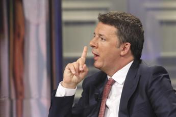 Renzi: Non possiamo vivere 2 anni di reddito di cittadinanza