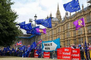 Brexit, Londra scalda toni con Ue