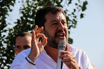 Migranti, Salvini attacca Lamorgese: Non conosce nemmeno i dati