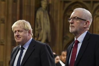 Johnson contro Corbyn: Vuole solo secondo referendum