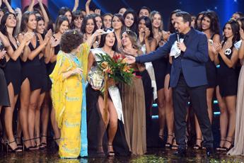 Miss Italia alleata della scienza: caccia al viso perfetto 2020