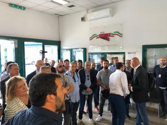 Salvini al deposito Atac: Amministrazione incapace e assente