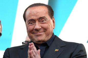 Berlusconi, telefonata a sorpresa ai senatori