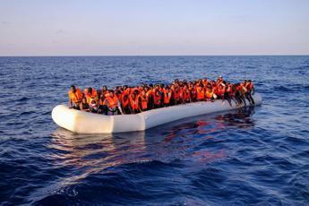 Nuovo sbarco di migranti, in 45 arrivano a Leuca