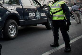 Messico, 12enne spara a maestra e si toglie la vita