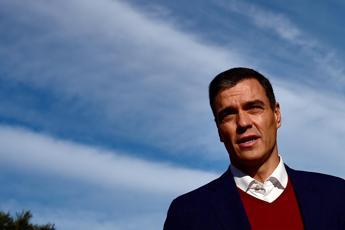 Coronavirus, premier Spagna: Cooperazione totale con Conte