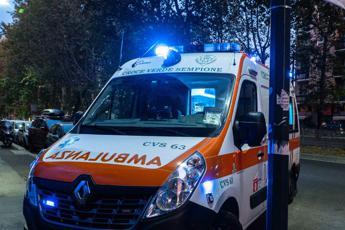 Incidente mentre va a messa di Natale, morta 26enne