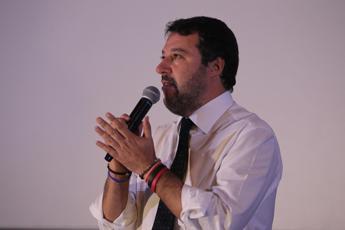 Salvini: Rom fanno i figli e se ne fottono