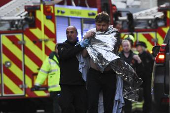 Londra, attacco sul London Bridge: tre morti