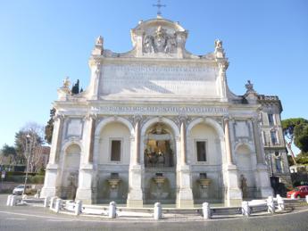 A Roma tornano a splendere quattro fontane storiche restaurate grazie a Fendi
