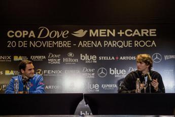 Coprifuoco a Bogotà, salta match Federer: Ho il cuore spezzato