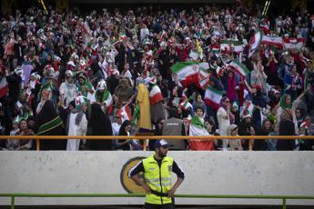 Tensioni in Iran, rinviate partite del campionato di calcio
