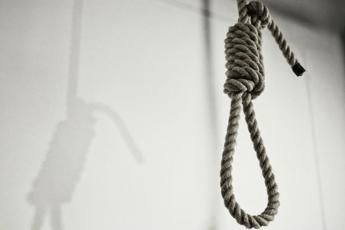 Iran, giustiziati 2 detenuti: uno era minore al momento del reato
