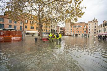 Venezia, domani scuole aperte