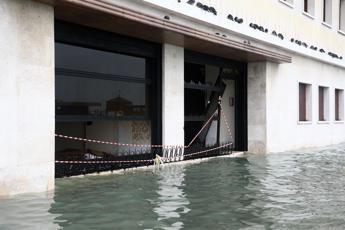 Venezia, primi rimborsi e stop mutui