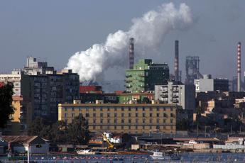 Ex Ilva, governo valuta penale di 1 miliardo se Mittal lascia Taranto