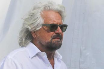 'Beppe Grillo mi ha aggredito', la denuncia del giornalista