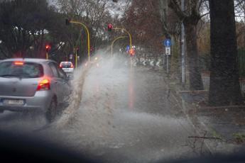 Maltempo sul Lazio, pioggia e vento: allerta gialla meteo