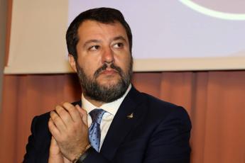 Sardine, Salvini: Coro 'odio Lega'? Rispondo con sorriso'