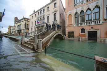 Acqua alta a Venezia, previsti 140 centimetri