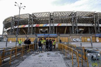 Napoli-Parma, calcio d'inizio alle 18.30