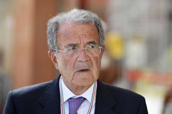 Prodi: Non penso al Colle e i 101 sono ancora lì