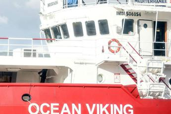 Migranti, la Ocean Viking salva 39 persone in fuga dalla Libia