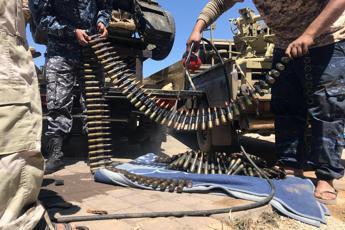 Libia, raid aerei Haftar su accademia aeronautica