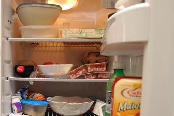 Lombardia, 50% famiglie butta via cibo meno di 1 volta al mese